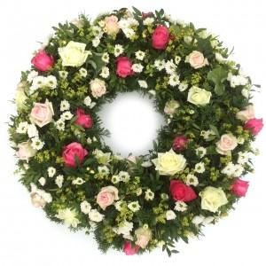 Rosenkranz in rosa mit weißen Santini, ø 75 cm