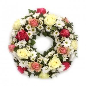 Rosenkranz mit Chrysanthemen als Urnenschmuck, ø 30 cm