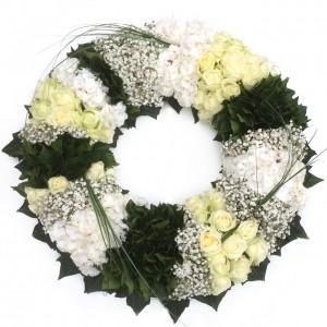 Weiß-grün gesteckter Kranz, ø 70 cm