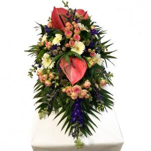 Lieblingsblumengesteck mit Anthurien als Trauergesteck